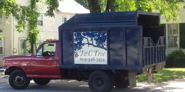jc-tree-truck-1